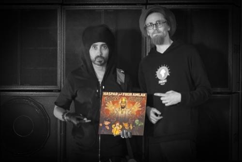 Fikir Amlak & Ras Lion with a copy of LIONSBR001 / Berlin 2018