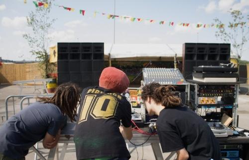 Lion's Den Sound System setting up @ Reggaebus 2018